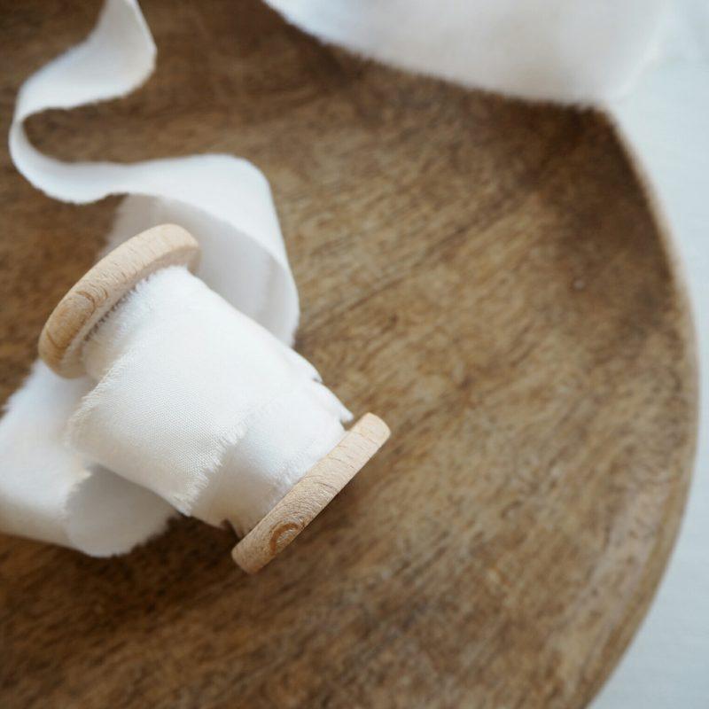 Hand Dyed Silk Ribbon Zijden Linten Handgerafeld Magnolie off white