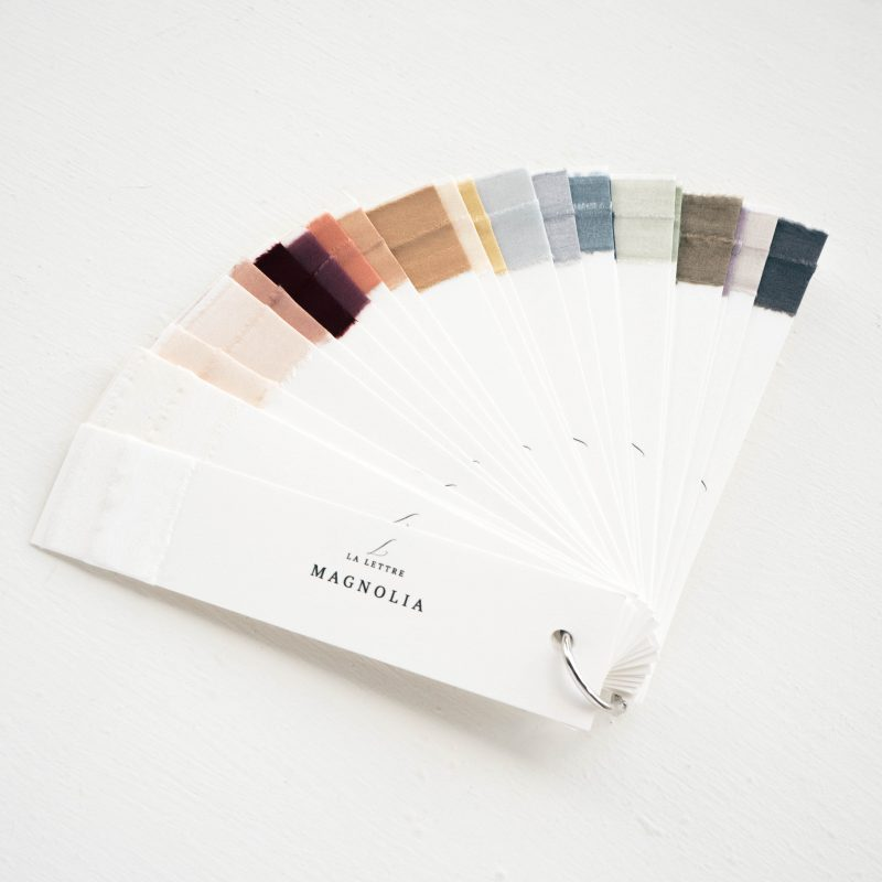 kleurenwaaier color swatch La Lettre Lint handgemaakte zijden linten hand dyed silk ribbon