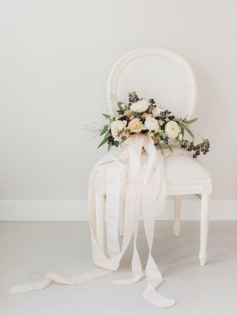 Bruidsboeket La Lettre Lint atelier handgemaakte zijden linten hand dyed silk ribbon