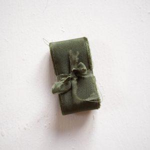 Webshop Zijden Linten Silk Ribbon La Lettre Kalligrafie Olive