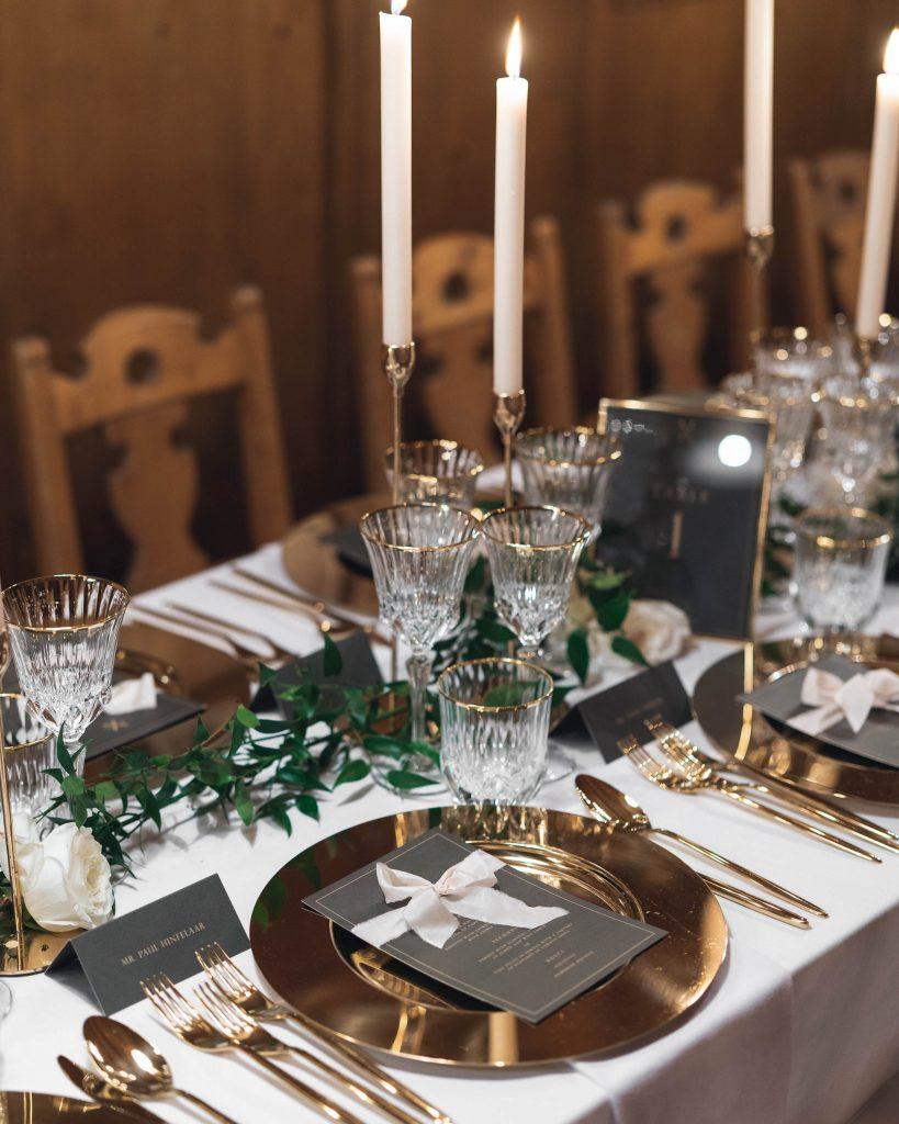 La Lettre Kalligrafie x House of Luce wedding table winter silk ribbon Cortina d'Ampezzo Italy Italie huwelijk